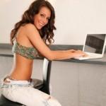 Как сделать, чтобы девушка добавила тебя в друзья Вконтакте?